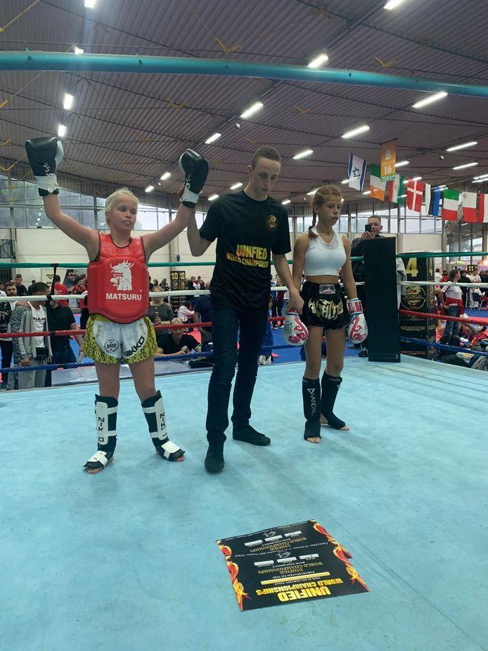 Roxanne Kivits was eind  2019 in Italië de beste van de wereld in kickboksen en muay-thai in haar leeftijdsklasse.