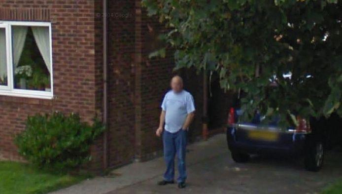 Ronald op een van de foto's gemaakt door Google