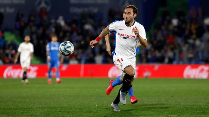 Gudelj in actie voor Sevilla.