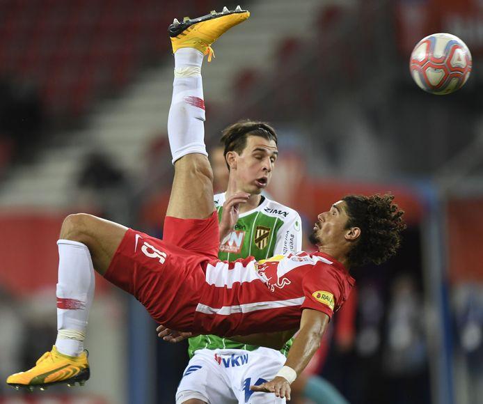 Een stukje onconventioneel verdedigen van André Ramalho bij Red Bull Salzburg.