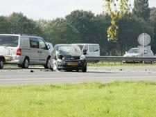 Flinke schade en file na ongeluk op A1 bij Holten
