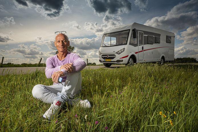 Wim Steenbergen en zijn vrouw Ingeborg hebben een nieuwe camper gekocht.