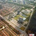 Vredeoord in 1976, het kantorenpark van Philips in Eindhoven, aan de Boschdijk. Vooraan gebouw VB dat nu in de verkoop is gegaan. Links VH dat het directiekantoor van de totale 'kumpany' was; dat is in 2012 opgeblazen voor de sloop.