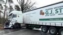 Een automobilist kwam om het leven bij het ongeluk vlakbij Schermbeck in Duitsland.