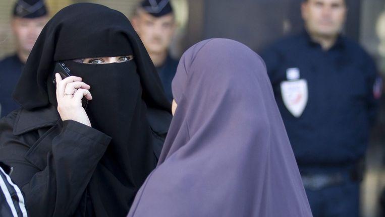 Vrouwen bij een eerdere rechtzaak over het 'boerkaverbod'. Beeld afp