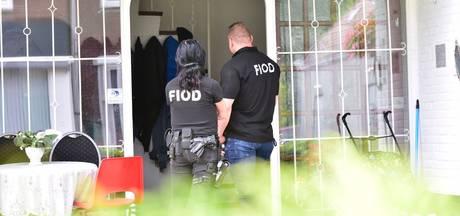 VIDEO: FIOD doet inval bij casino's, vrouw (32) uit Rijen aangehouden
