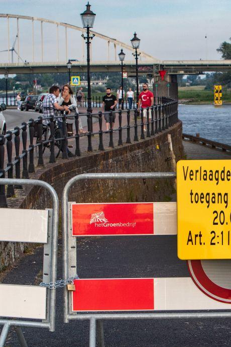 Verlaagde Wellepad in Deventer blijft voorlopig nog afgesloten na overlast door feestende jeugd