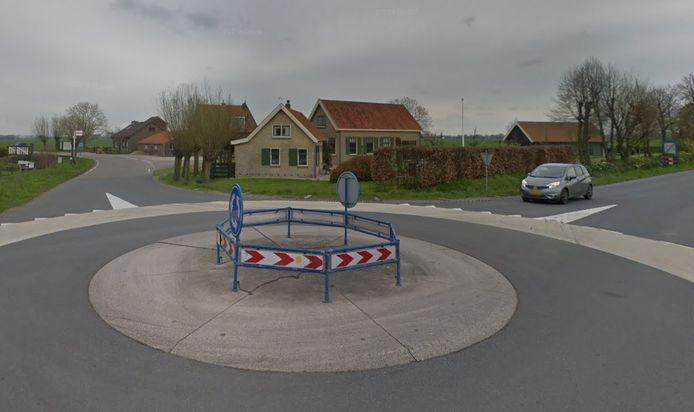 De rotonde aan de Gorissenweg in Goudriaan in april 2019.