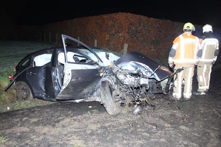 De Citroën is volledig verhakkeld.