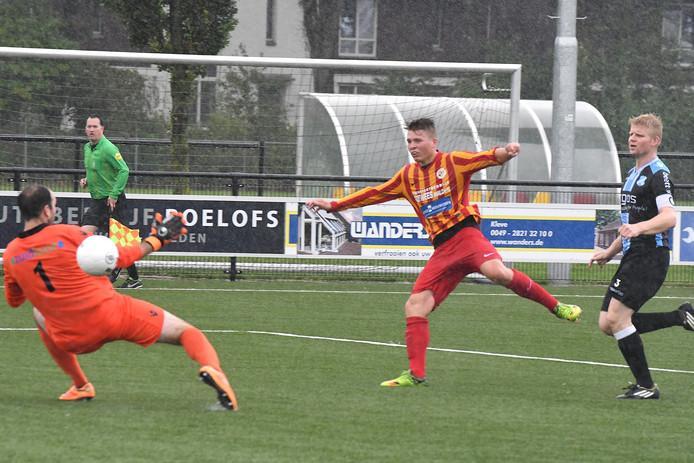 Spits Stefan de Jong is trefzeker, eerder dit seizoen tegen EVV.