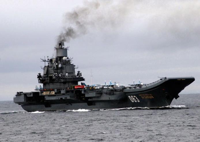 Een foto van de Admiraal Koeznetsov ter illustratie.