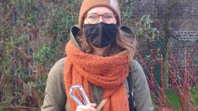 """Tina Peeters (41) is 100ste zwerfvuilvrijwilliger in Leuven: """"Ik erger me aan al dat zwerfvuil, dus kan ik beter het goede voorbeeld geven"""""""