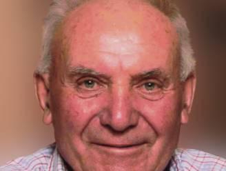 Sparta Kruiseke verliest medestichter Jozef Knockaert (84), die met echtgenoot ruim 40 jaar elke thuiswedstrijd aan de ticketverkoop stond