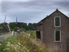 Spoorwegovergang in dijk bij Waardenburg afgesloten: tijdelijk pad voor landbouwverkeer