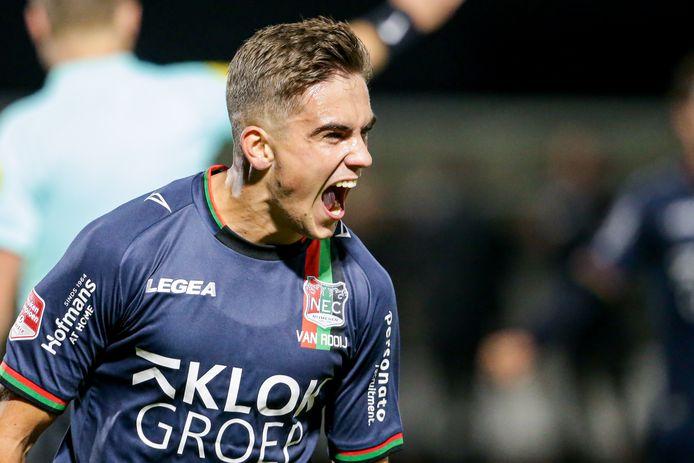 NEC'er Bart van Rooij viert zijn treffer.