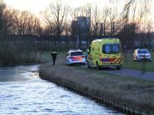 Wandelaar ziet kinderfietsje liggen bij ijskoud water in Helmond, zoekactie levert niets op