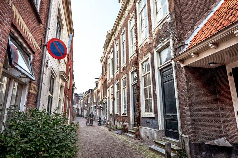 Het vroegere joodse gemeentegebouw (r) in Haarlem.  Beeld Foto Raymond Rutting / de Volkskrant