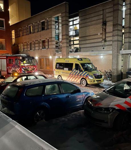 Bewoner zorginstelling Groesbeek met brandwonden naar ziekenhuis