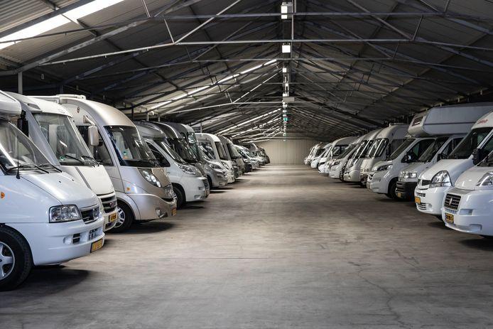 Een volle camper- en caravanstalling (elders). Foto ter illustratie.
