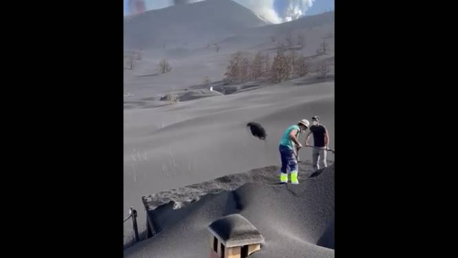 Des habitants de La Palma creusent pour libérer leurs maisons ensevelies sous les cendres