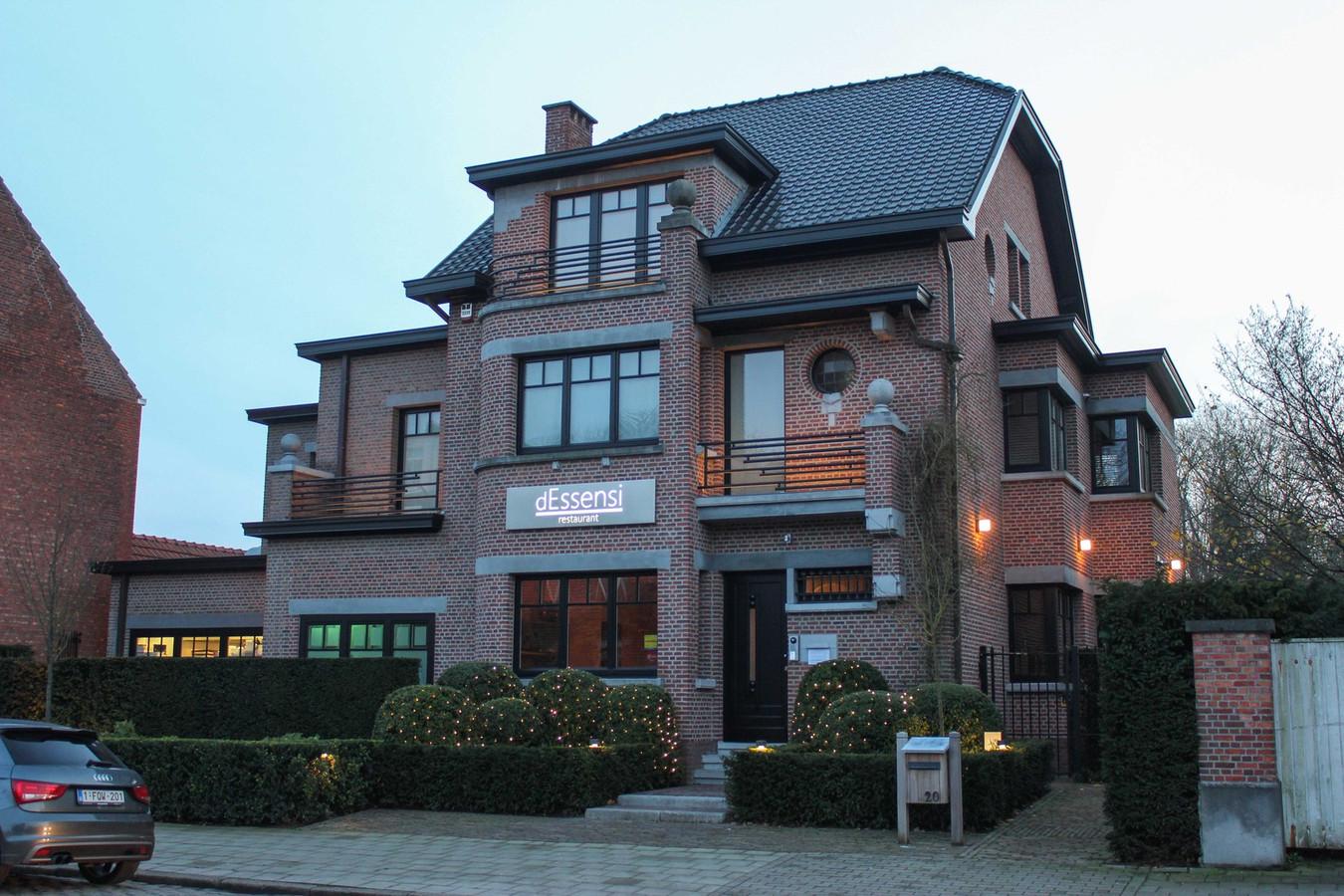 Restaurant dEssensi langs de Kerkstraat in 's-Gravenwezel