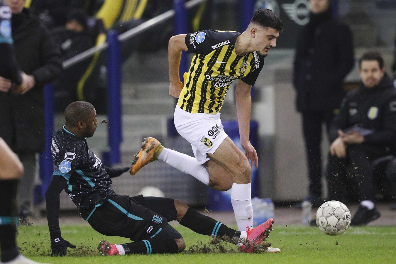Vitesse-spits Armando Broja kwam niet in het spel voor tegen RKC.