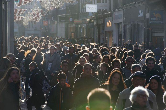 De Kalverstraat, voor de coronacrisis.