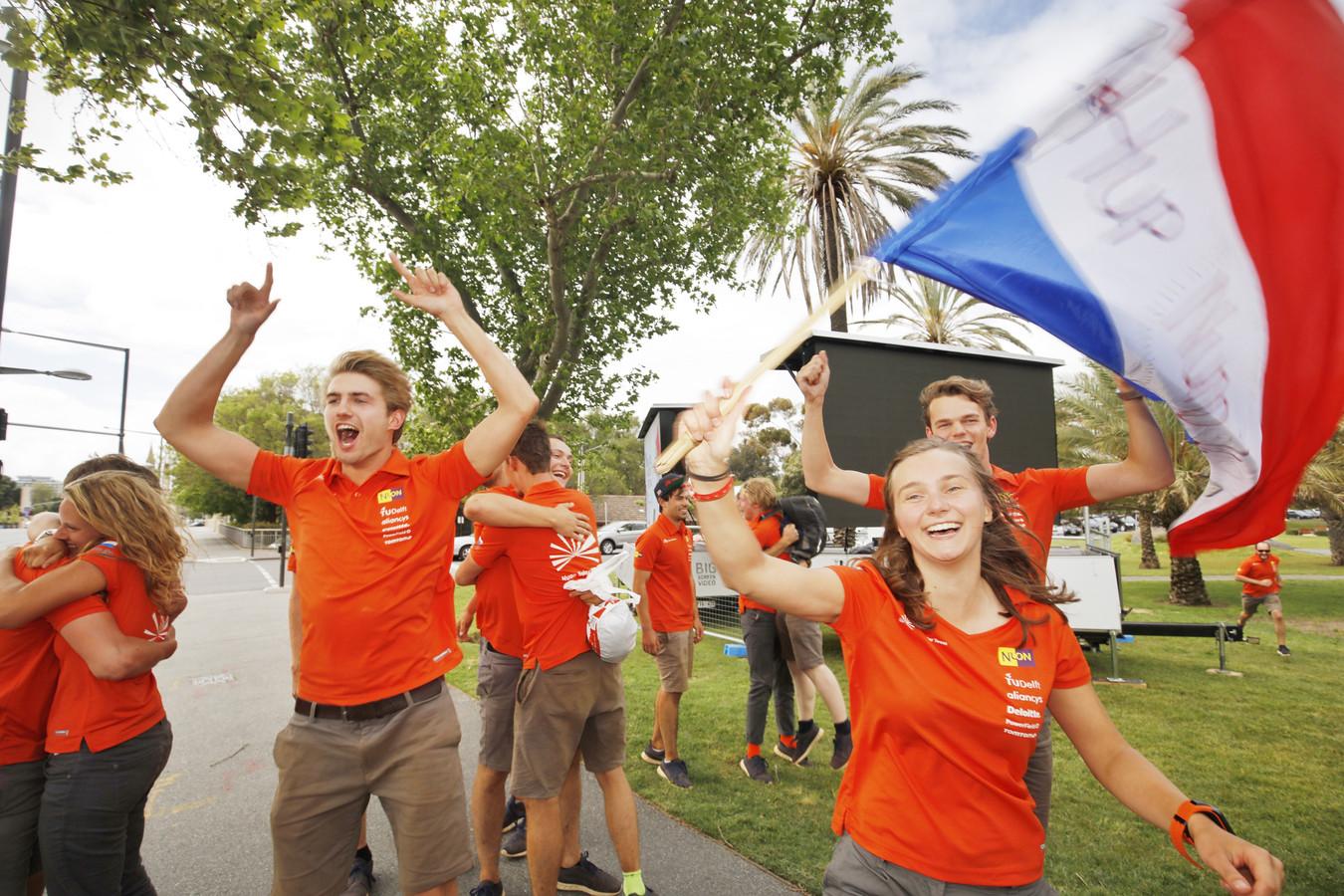 Nuon Solar Team juicht bij overwinning (Foto: Jorrit Lousberg).