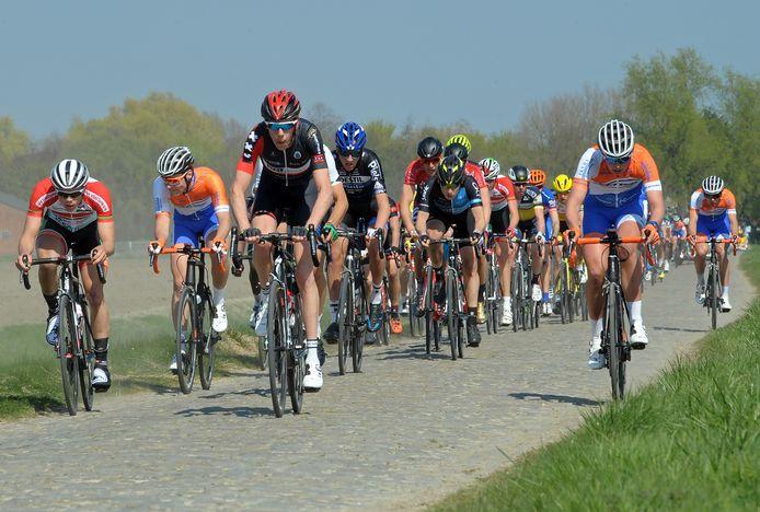 Een beeld uit een eerdere editie van de Omloop van de Braakman.