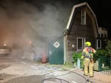 Bewoners naar ziekenhuis na brand in schuur Numansdorp