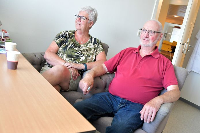 Piet en Myriam Hamelink hebben een nazorggesprek in Zorgsaam Terneuzen na opname op de ic.