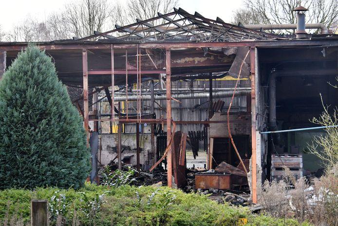 De voormalige Gieterij Neede is door brand zwaar beschadigd. Of de koperdiefstal oorzaak was van de brand, kon niet worden bewezen.