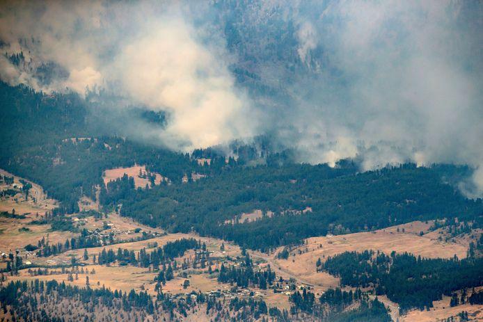 Het dorpje Lytton in de Canadese provincie British Columbia, werd door natuurbranden die veroorzaakt werden door de extreme hitte, helemaal van de kaart geveegd.