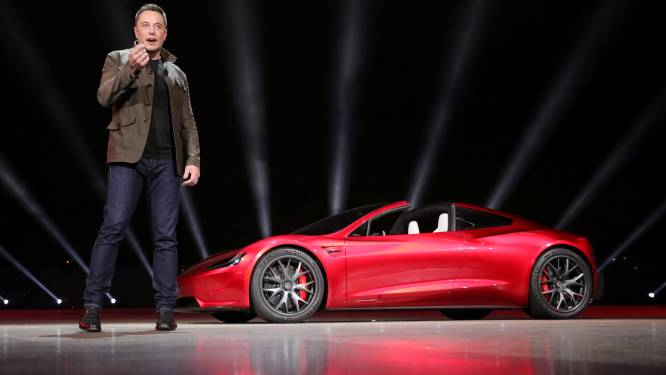 """Tesla onthult elektrische vrachtwagen én """"snelste wagen ooit"""""""