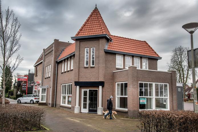 De nieuwbouw (na de brand) van restaurant De Put aan de Oude Kleefsebaan in Berg en Dal staat al een hele tijd leeg. De eigenaar kan geen huurder vinden voor het horecapand en wil er appartementen van maken.