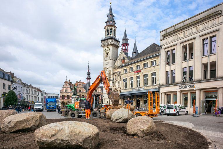 De stenen op de Grote Markt van Aalst.