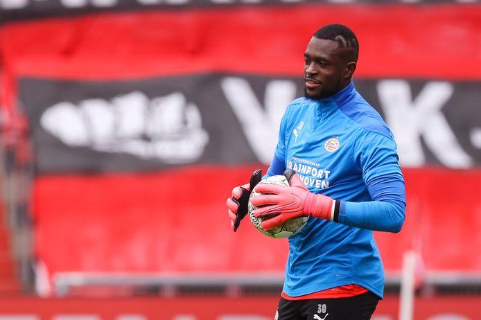 Yvon Mvogo in april tijdens PSV-Heracles.