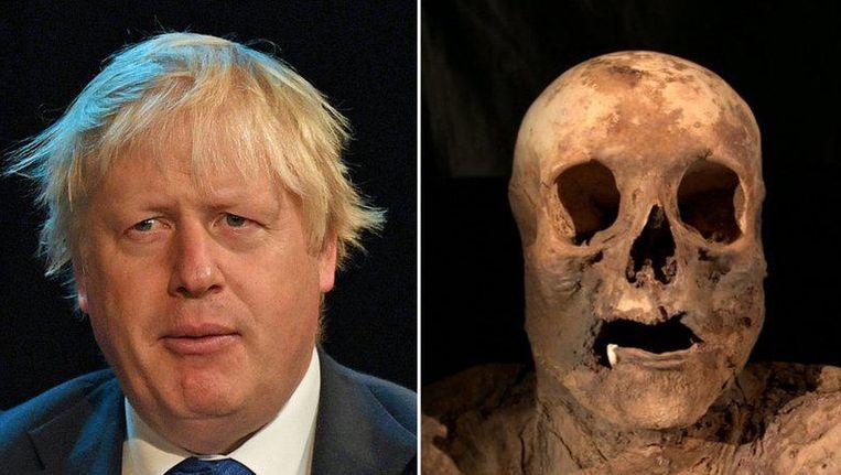 Boris Johnson en zijn 'grandmummy'. Beeld