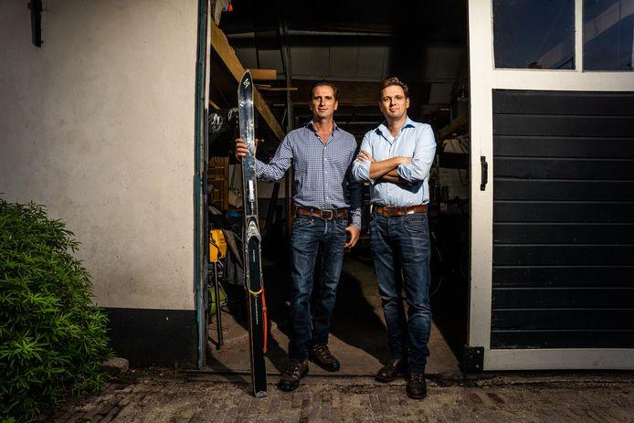 Alje (rechts) en Onno Tamminga zijn de trotse eigenaren van een skilift met bijbehorend grondgebied in Sauerland.