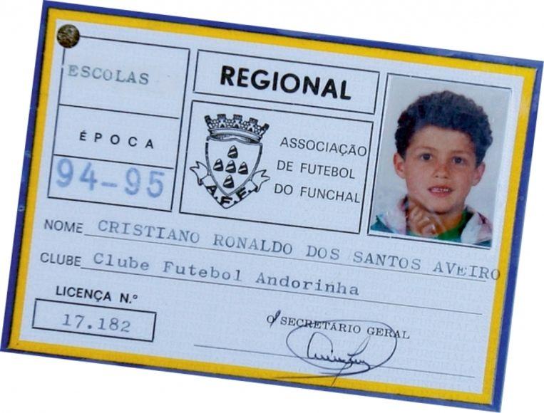 'De jonge Cristiano Ronaldo kreeg een speelgoedauto, waarop hij in woede uitbarstte omdat hij zo graag een bal wilde' Beeld