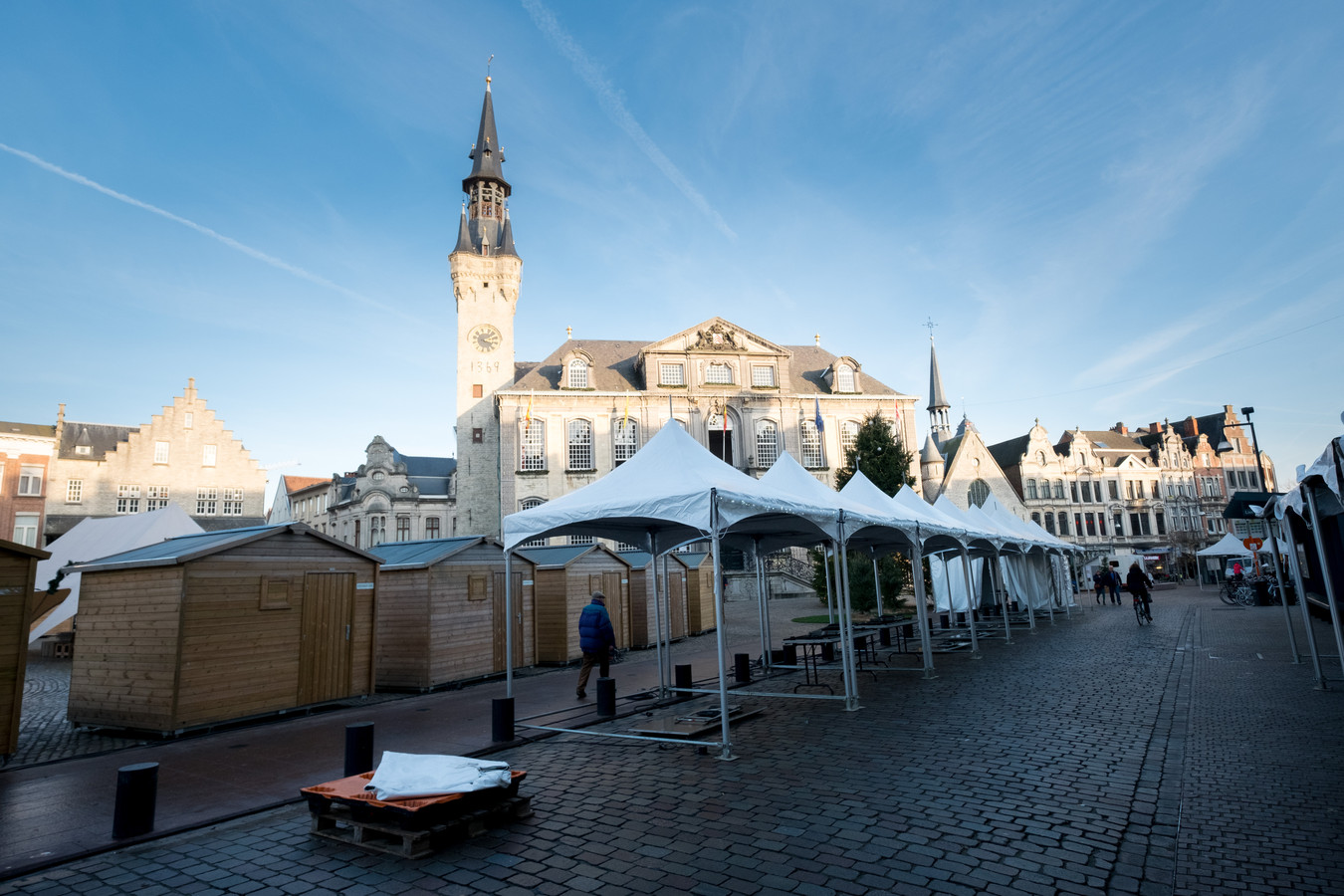 Tijdens de kerstmarkt zullen er meer dan honderd kramen staan in het centrum van Lier. Dit is een archiefbeeld van een vorige editie.