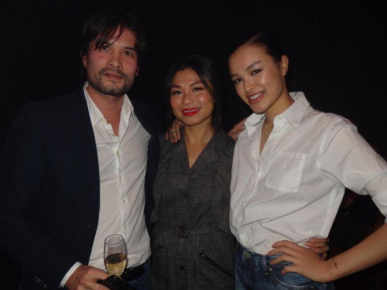 Advocaat Ken Watanabe, event manager Kim Luu en rechtenstudent en vriendin van de auteur Jewaria Luu Beeld Schuim