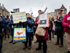 Honderden demonstranten op de Dam: '5G maakt alle leven kapot'