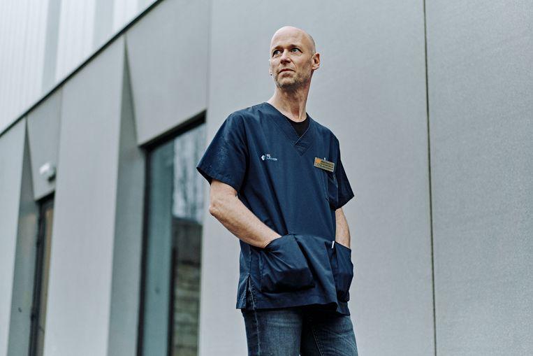 Intensivist Geert Meyfroidt: 'We zagen de stijging gelukkig wel al komen.' Beeld Thomas Sweertvaegher