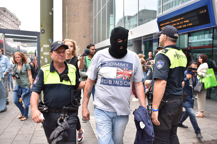 De man werd vrijdag na het boerkaprotest aangehouden op Den Haag CS