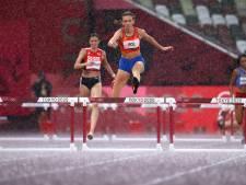 Femke Bol op kletsnatte baan overtuigend naar finale op 400 meter horden