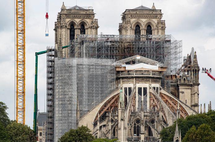 De heropbouw van de Notre Dame moet tegen 2024 klaar zijn.