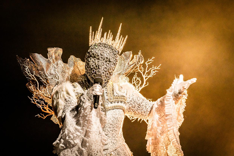 De Koningin in 'The Masked Singer'.  Beeld VTM