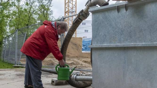 Stad deelt eindelijk zélf opgepompt grondwater uit aan buurtbewoners