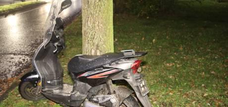 Meisje op scooter gewond bij aanrijding op rotonde in Oss